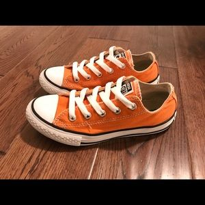 Converse Chuck Taylor All-Star Low Top Youth Sz 1.
